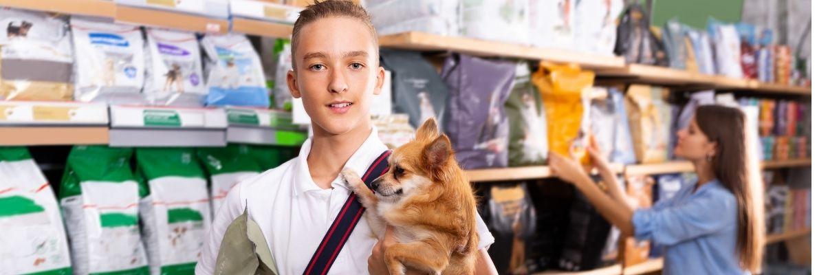 Tierfachmarkt, Hundefutter, Katzenfutter, Kaufen, Kunde, Beratung